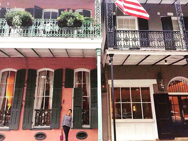 Fell in love with the streets in the French Quarters of Nee Orleans.  #nola #neworleans #frenchquarters #bourbonstreet #gallery #balcony #vacationhopping #vacation #travel #traveller #traveldiaries #travelphotography #wanderlust #voodoo #quickpixsf