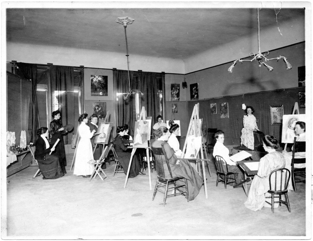 Mrs. Jenkins' art class, Holmes Hall, c. 1905