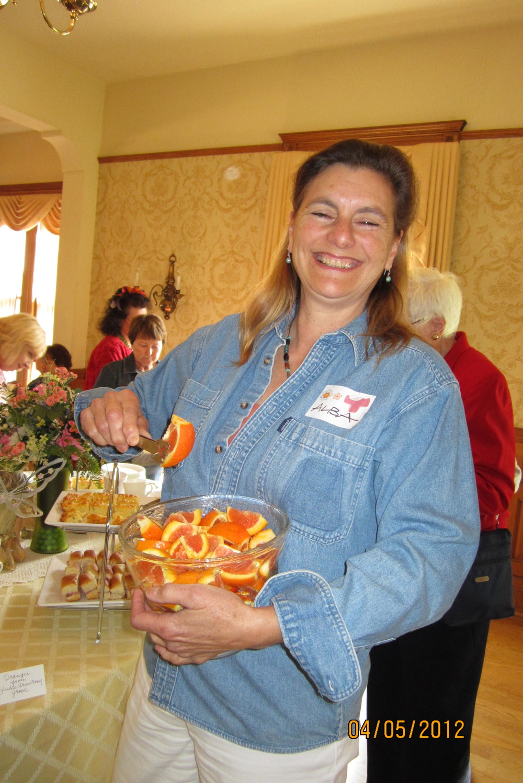 Event-Serving Tea-Alba Cisneros.jpg