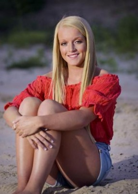 - Abbie Hedgecock has been awarded the Merle Bauer Memorial Scholarship. Hedgecock, the daughter of Jeff and Jalea Hedgecock, is a 4.0 honor roll student and has been active in Volleyball, Soccer and Basketball.She plans to major in Occupational Therapy.