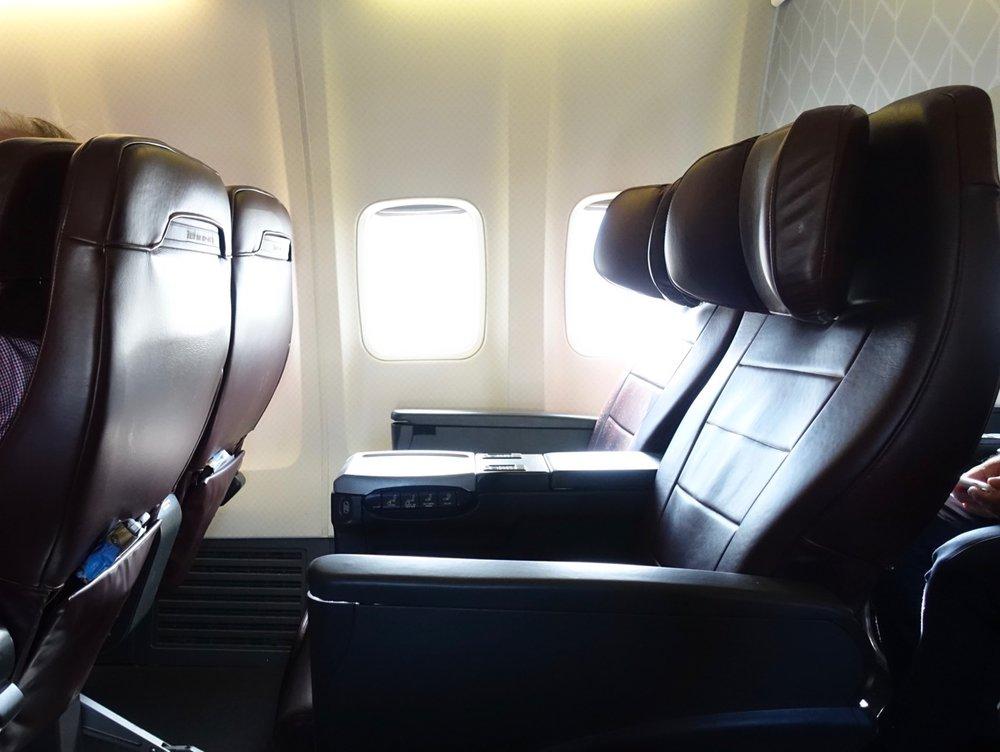 737 business 2.jpg