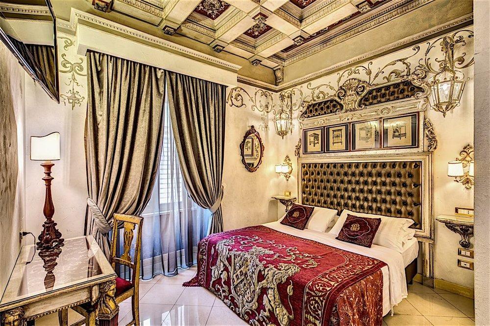 Hotel Romanico Room.jpg