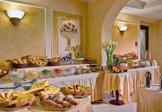 Hotel Corona Ditalia Florence 3.jpg