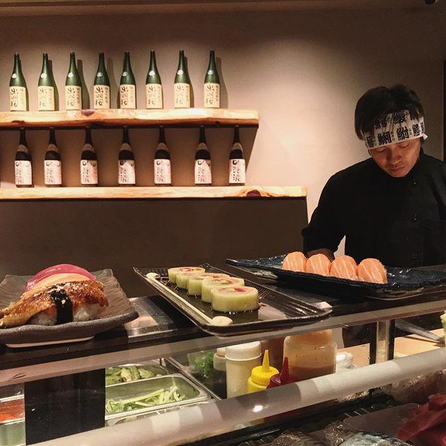 Chef John & his sushi lineup 🍣🍣 _____________________________ #akemiberkeley #berkeley #solanoave #berkeleyeats #eastbay #eastbayeats #berkeleyrestaurants #bayarea #bayareaeats #sanfrancisco #oakland #japaneserestaurant #japanesefood #sushi #sushirestaurant #noms #sushitime #foodstagram #food #foodie #delish #dinner #foodgasm #instagood #gastronomy #foodbeast #nigiri