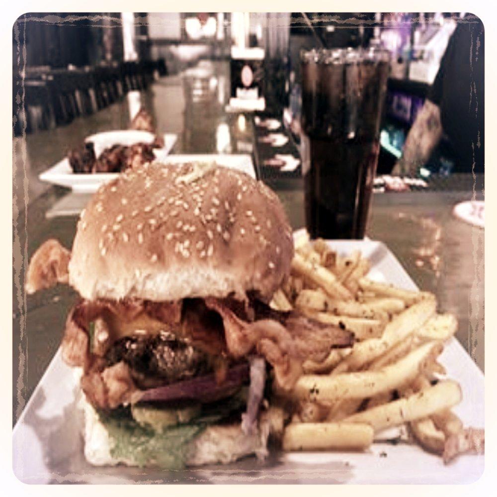 Brunos Bacon Burger.jpg