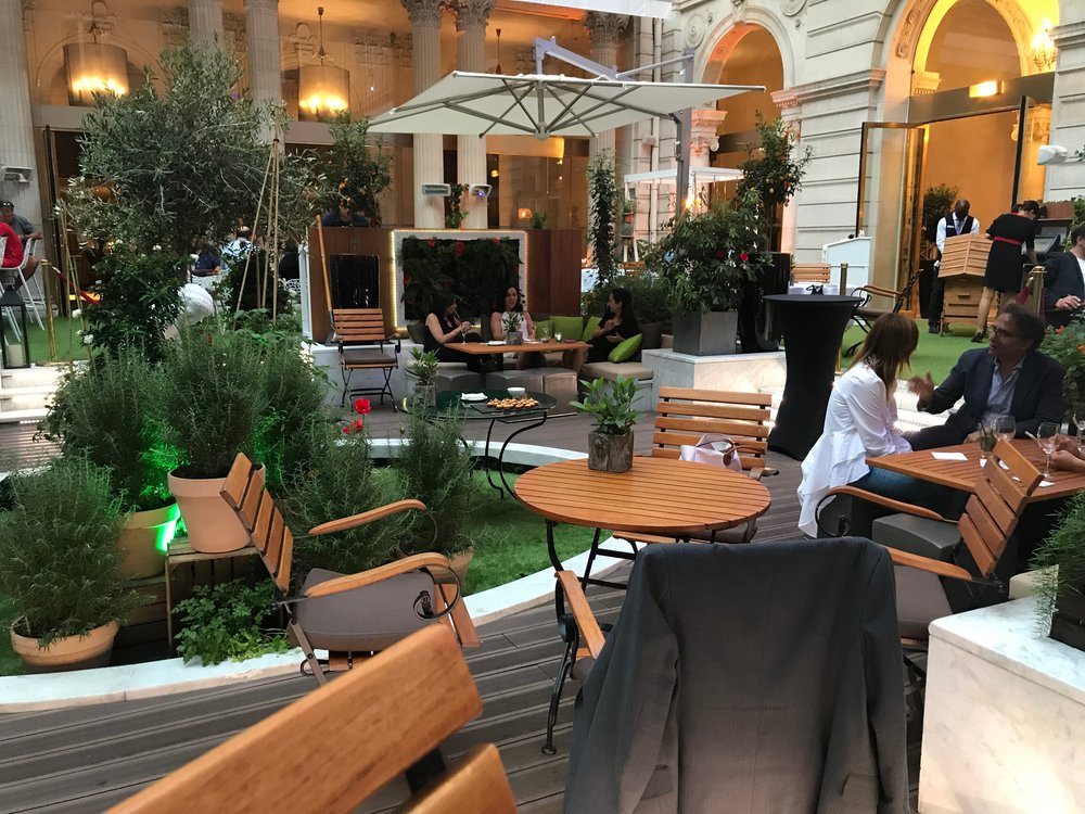Le Potager Urbane - Housed in the Westin, this outdoor bar and eatery provides a photo-worthy ambiance to accompany a meal. Worth a visit for the aesthetic, but beware, this establishment is particularly doused in cigarette smoke.