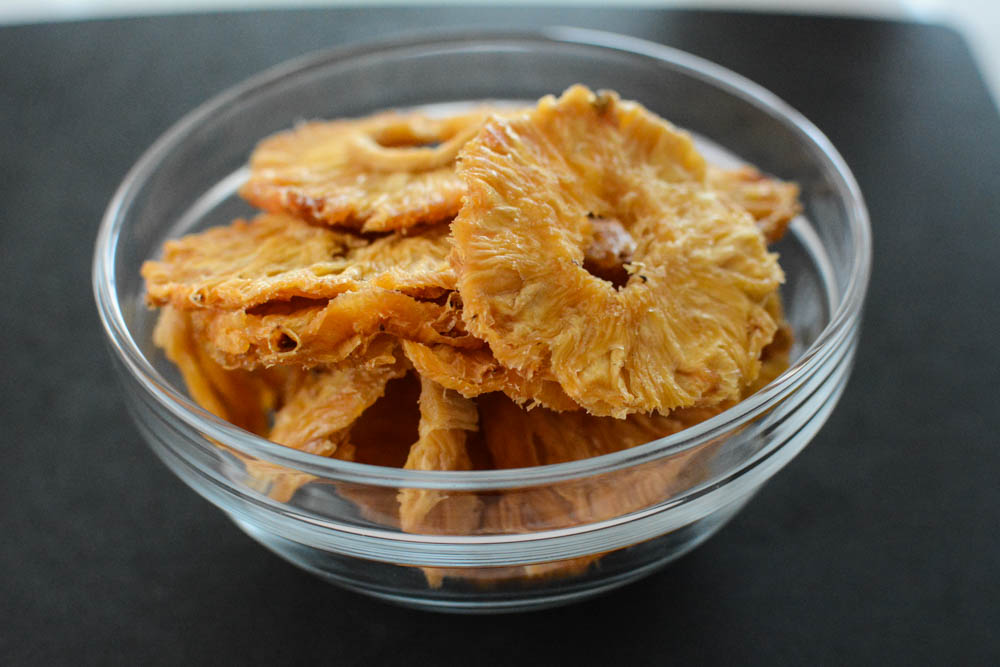dried-pineapple-granola.jpg
