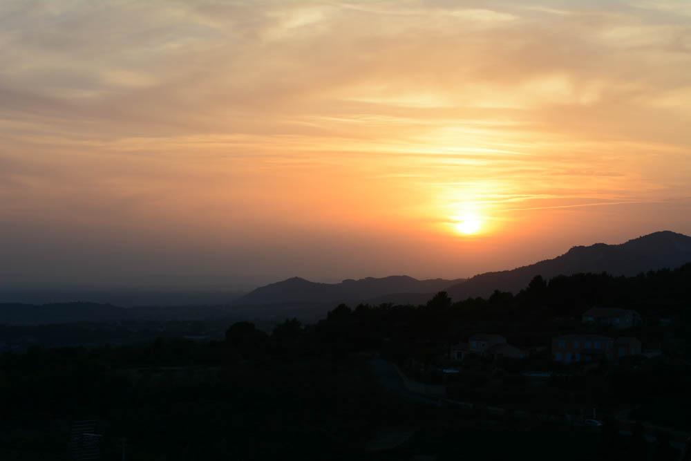 provence-crillon-le-brave-sunset.jpg