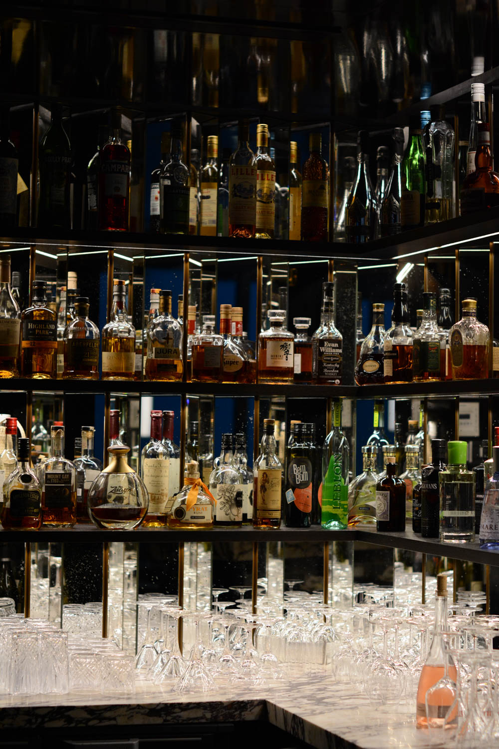 paris-hotel-bar.jpg