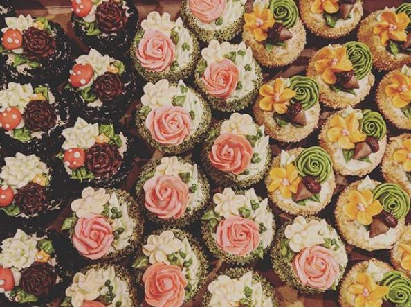 floralcupcakes.PNG
