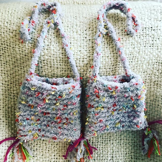 I've knitted these pretty little bags for my nieces. A great Easter gift with some chocolate eggs inside 💓🐣🦄 #girls #eastergifts #knitting