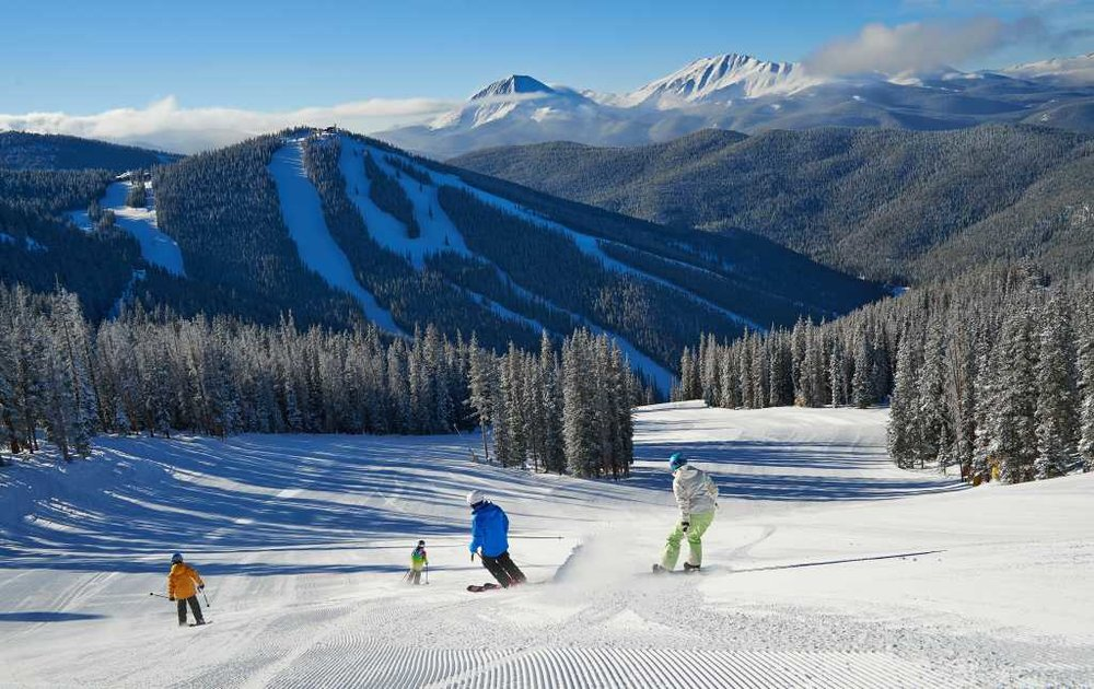 vail-resorts-skiing-snowboarding-groomer_56f60b3a-f0ae-5102-065bb9aa5b91558f.jpg