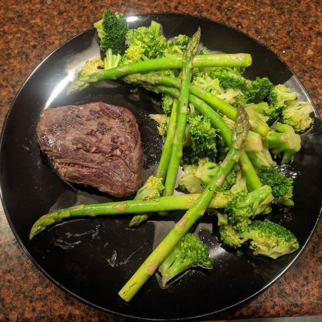 I try not to spam my food too much, but the ratios of this dish were just perfect for an example plate of how to eat healthy.  #grassfed #paleo #healthyfood