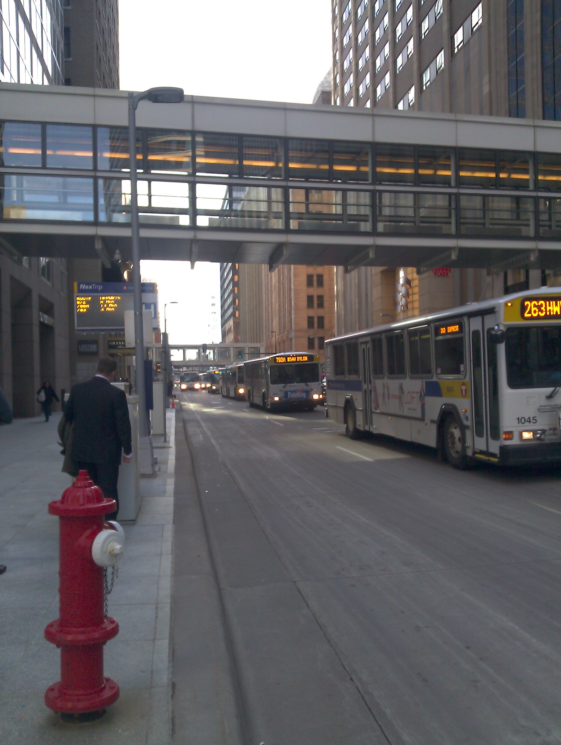 Express bus traffic on 2 Ave South