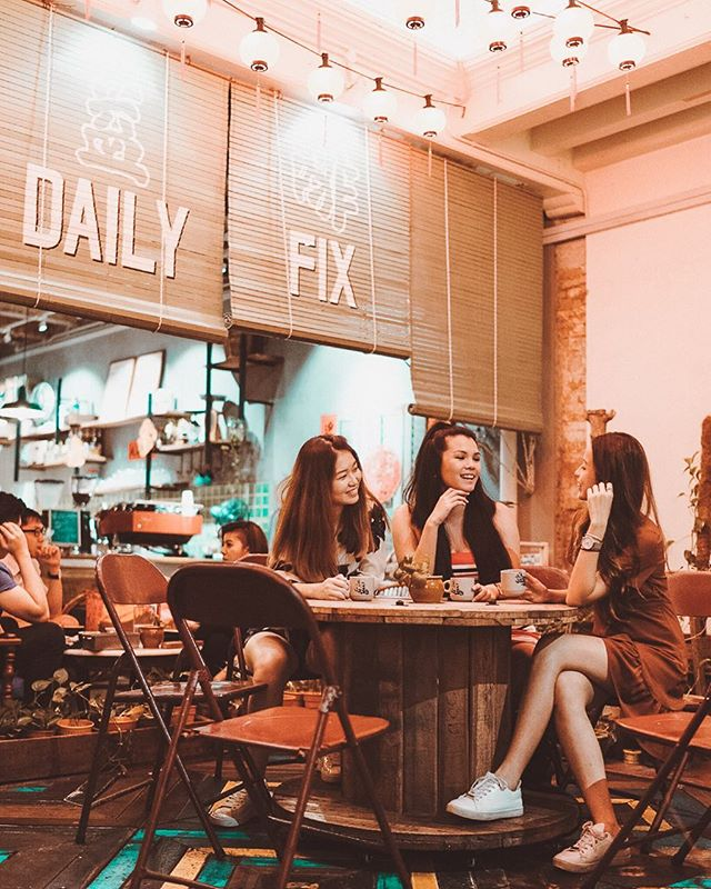 Yay, I made it to The Daily Fix cafe! ✌️️✨ Thank you so much for all of your recommendations, heh. The Aglio Olio was ace! And I can't be happier that over the two days in Malacca I got to spend them with my boo, @intoxincant and beauty queen @danaloww + @jayremylai 💓 Thanks for taking us around and making some epic satay celup memories 😚🍢✨ #beccaroundtheworld