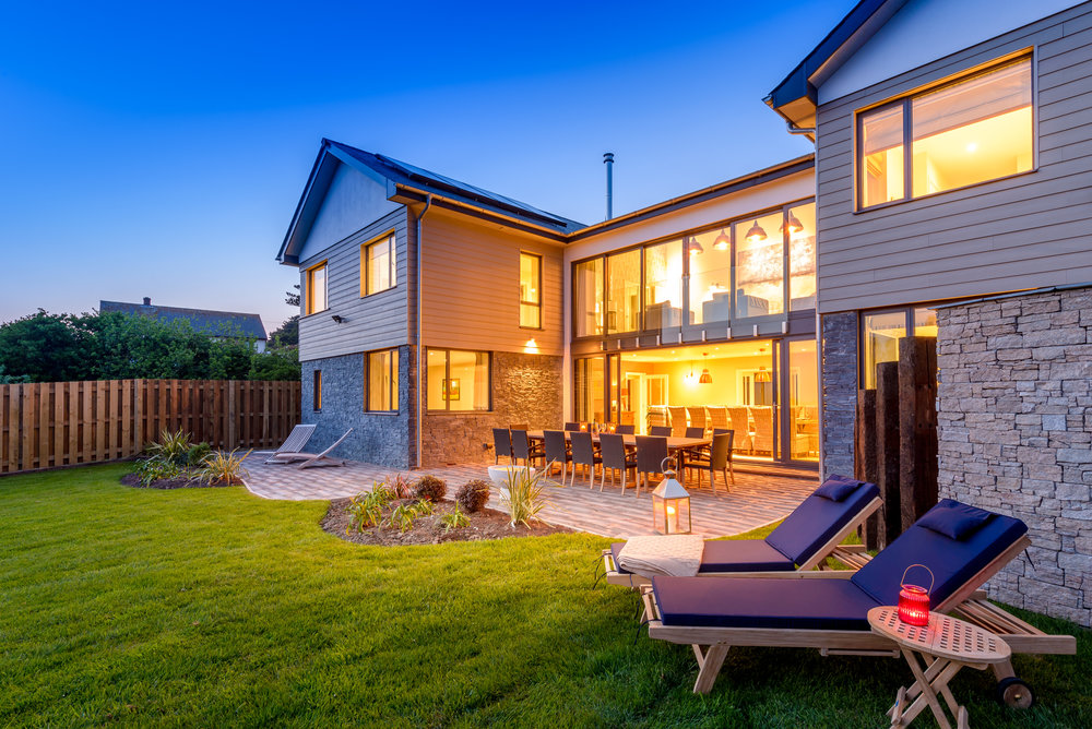 Seamist, overlooking Watergate Bay, sleeps 16 (Image: Beach Retreats)