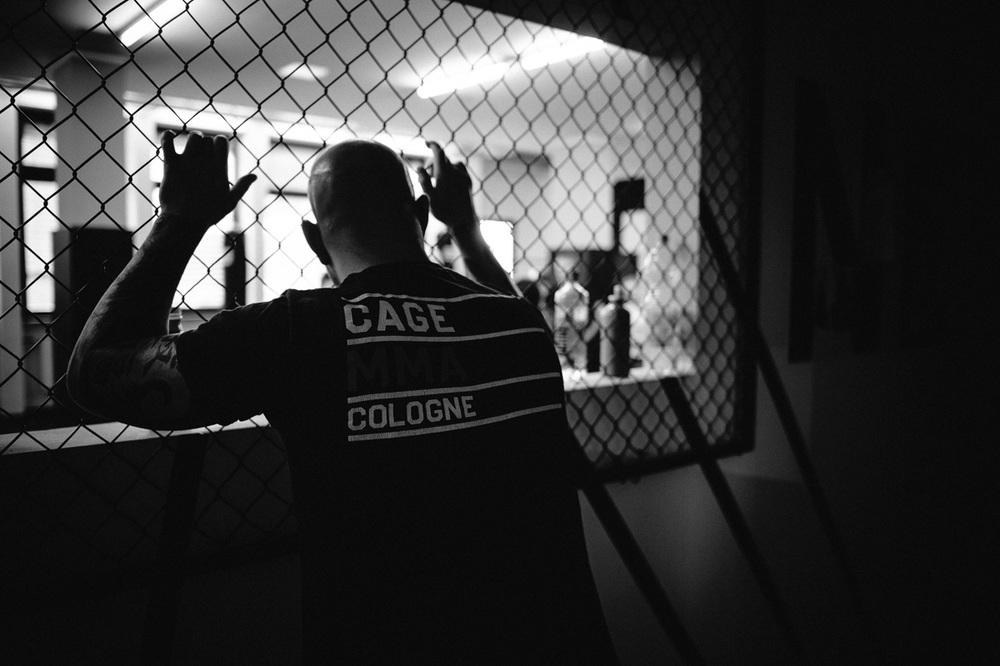 CAGE_COLOGNE_MMA_CAGE_FIGHT