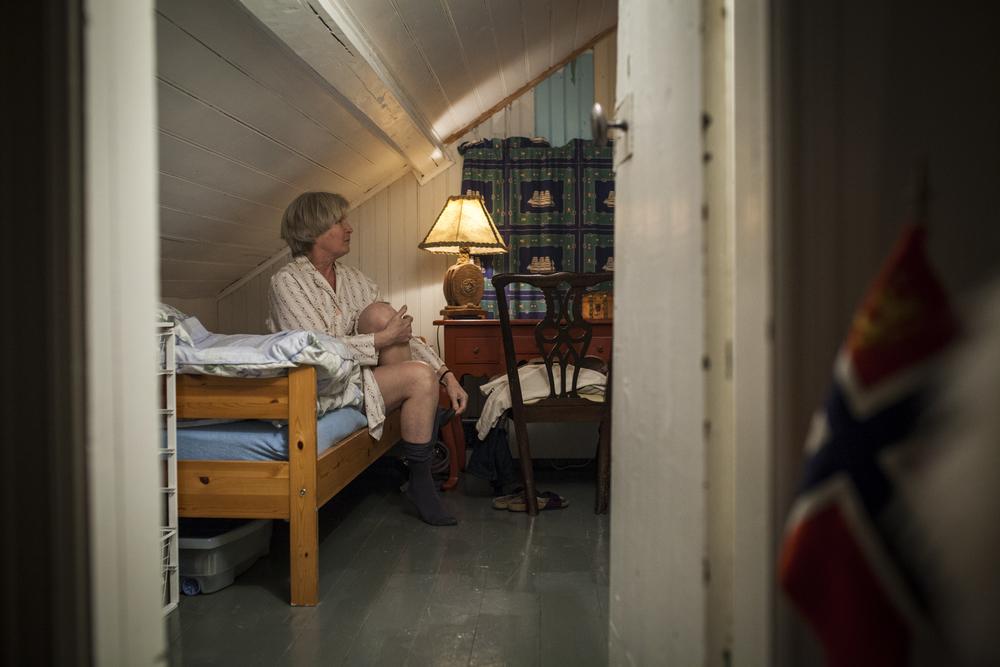 Ellen har laget sitt eget soverom med enkeltseng i huset på sørlandet. Hun liker ikke å ligge ved siden av en tom plass.