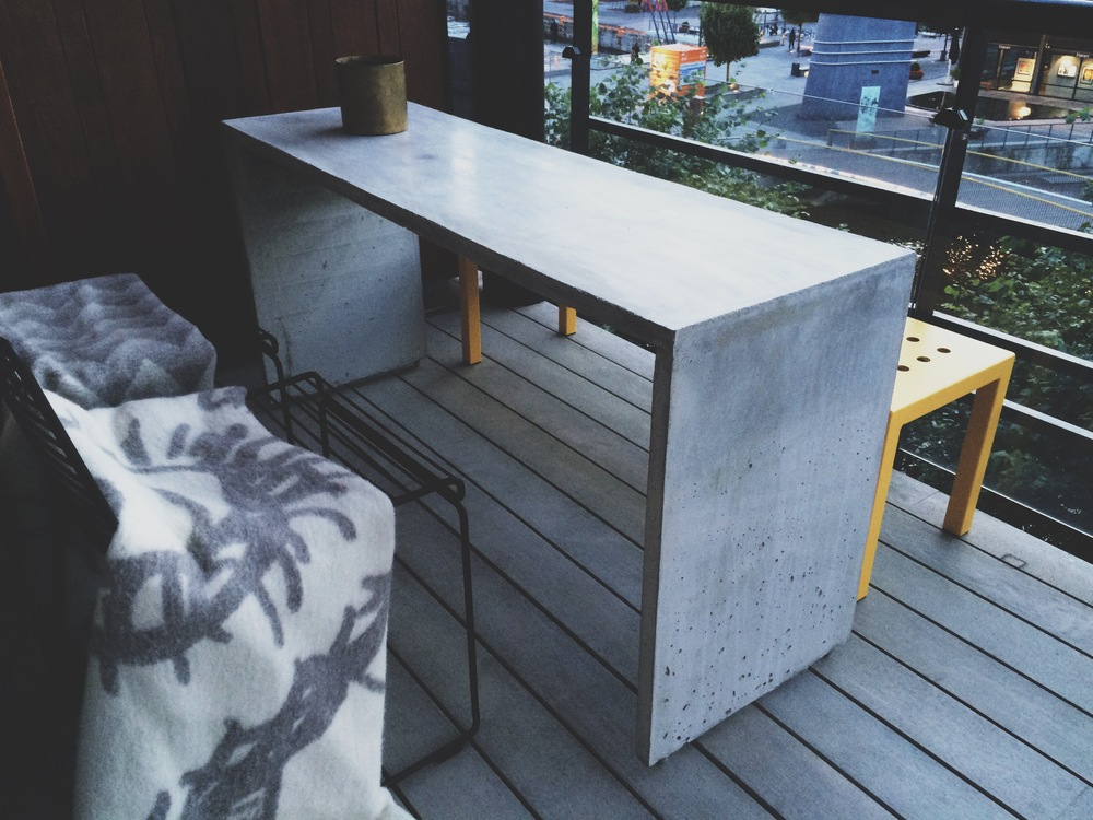 3D CASTED CONCRETE TABLE