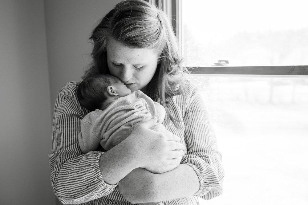 akron-ohio-newborn-photographer.jpg