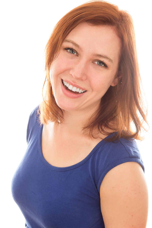 Lydia Dahling Headshot.jpg