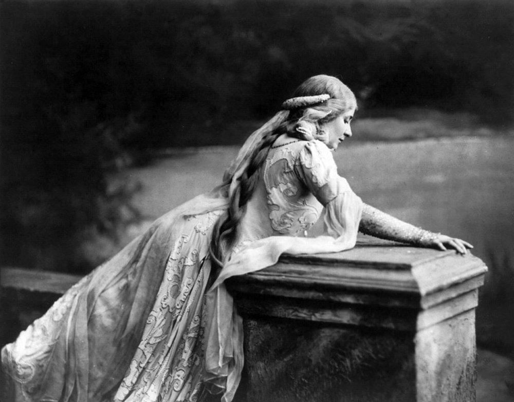 Mary Garden as Mélisande in Debussy's  Pelléas et Mélisande.  Davis & Eickmeyer, N.Y