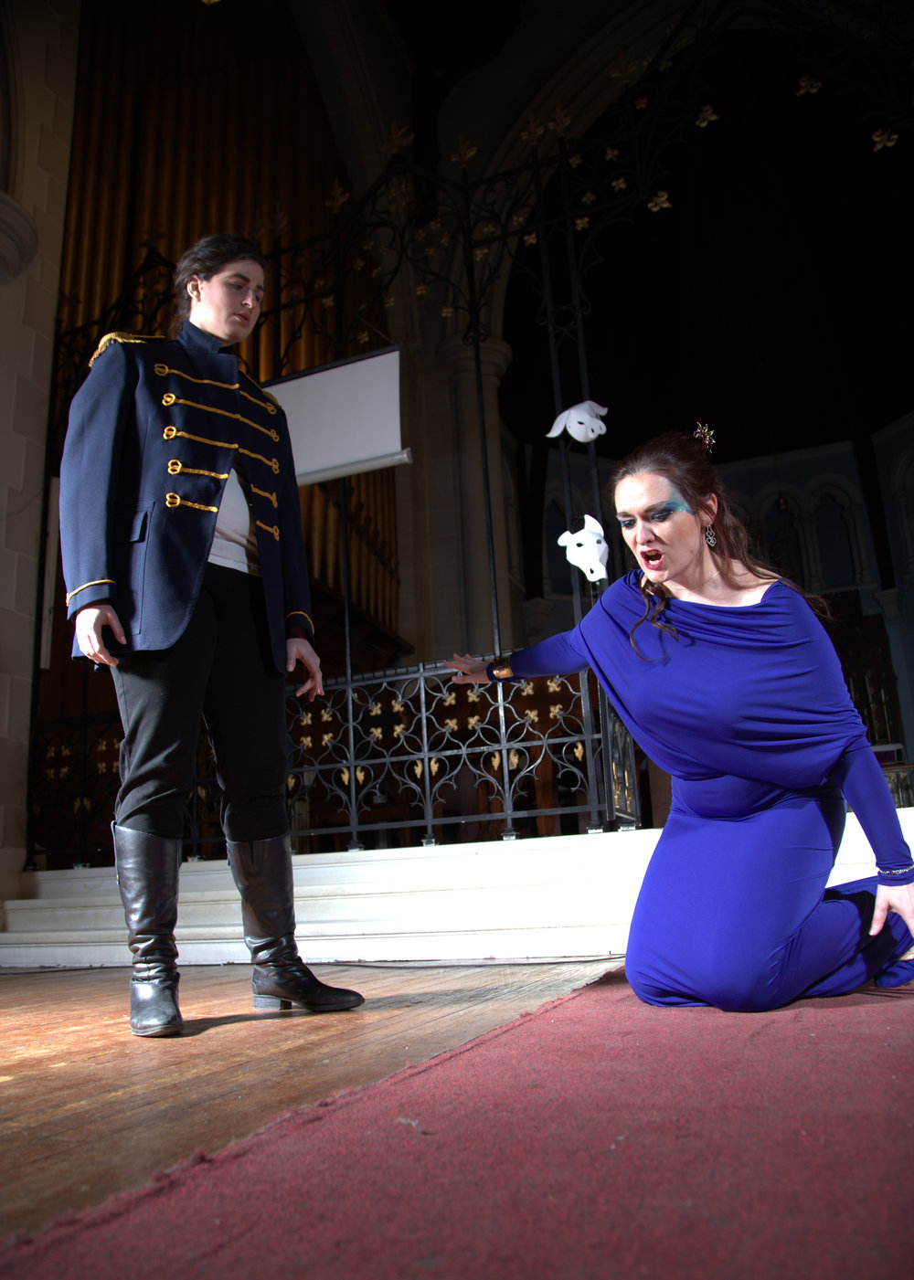 Laura Mitchell as Alcina and Rachel Selan as Ruggiero in Alcina. Photo credit: Samer Ghanem
