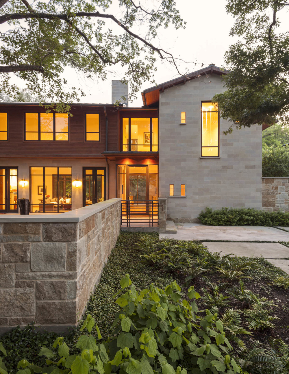 Sunnybrook south shm architects for Contemporary houses in dallas for sale