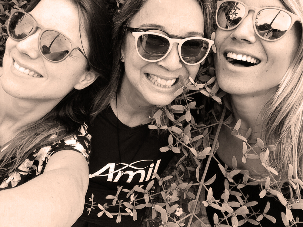 Marina (irmã), Maria Stella ( mãe), Cecília (irmã)