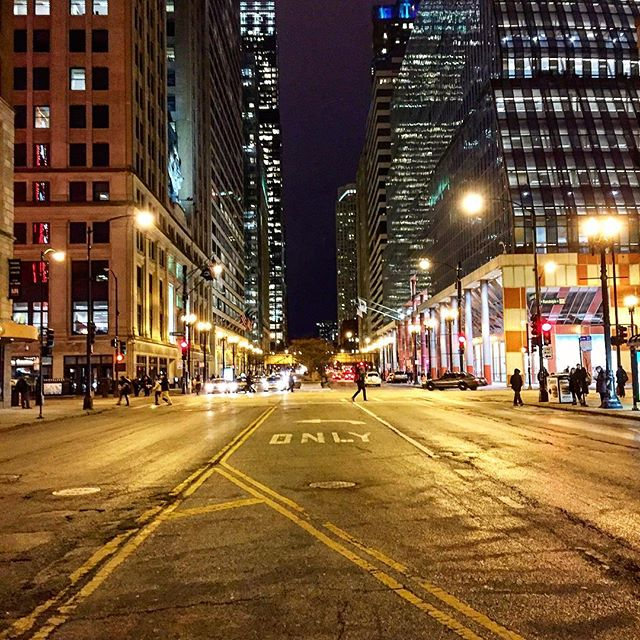 Heading home and into the night. We're almost to the weekend, Chicago! #chigram