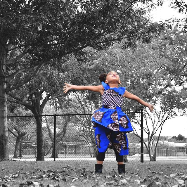 It's the weeeeekend! #Mood 💙 #YSKids #YSTemiDress 👸🏽 @DevinPartyof3 📷 @IshaGainesPhoto www.yetundesarumi.com #YSMiniMe #yetundesarumi