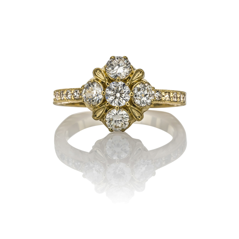 CUSTOM DIAMOND ENGAGEMENT RING IN 18K YELLOW GOLD