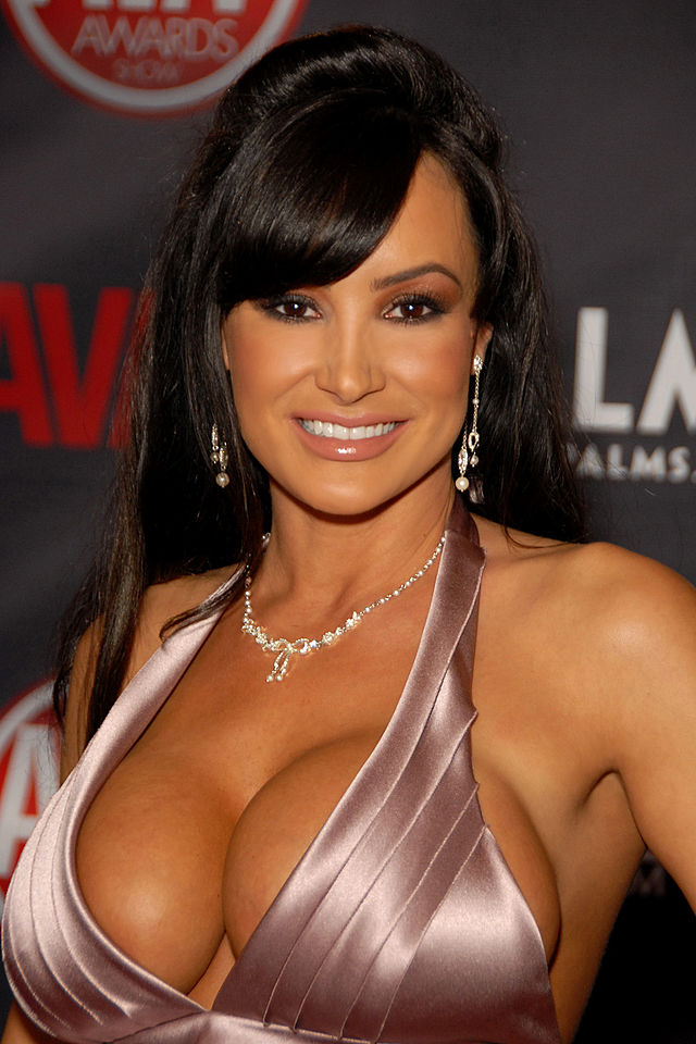 Lisa Ann (Photo © Glenn Francis )