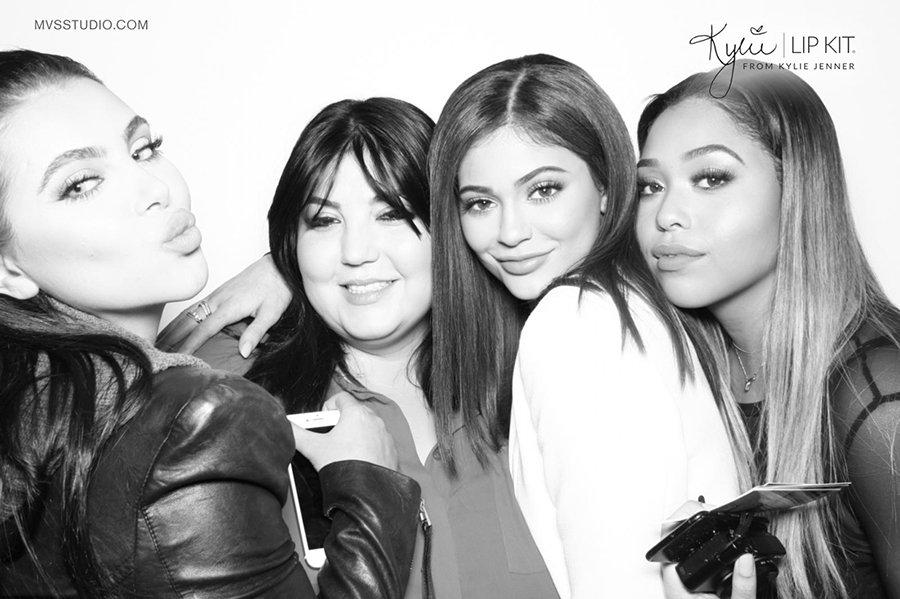 Kylie_Jenner_LipKit_Photobooth_8.jpg