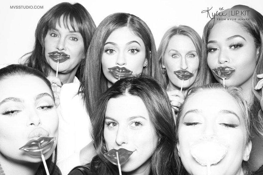 Kylie_Jenner_LipKit_Photobooth_15.jpg