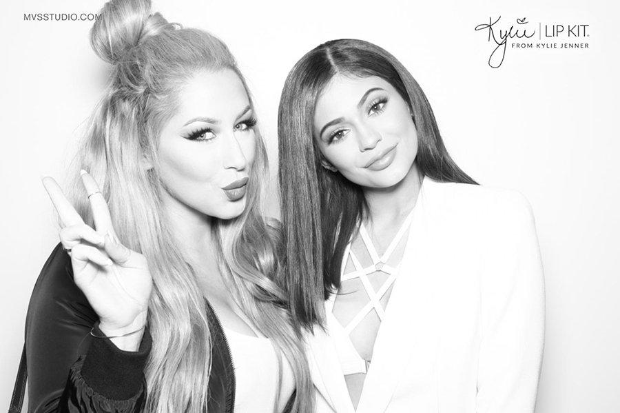 Kylie_Jenner_LipKit_Photobooth_14.jpg