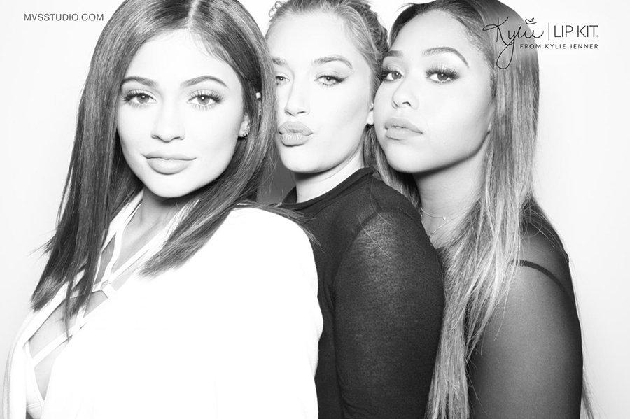 Kylie_Jenner_LipKit_Photobooth_16.jpg