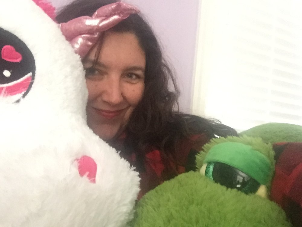 These stuffed animals are too big to take a selfie with. Isn't that great?!