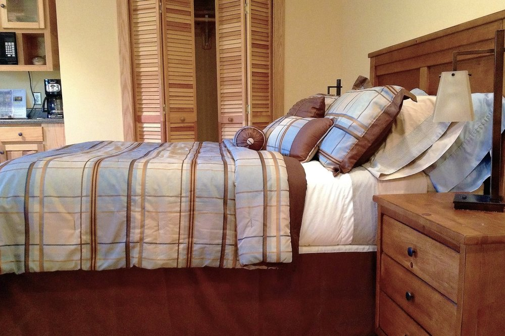 Queen Bed (Shared)