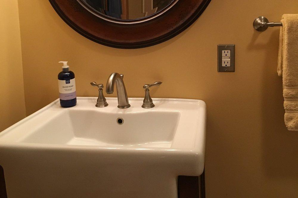 unearthing-writing-retreat-poplar-studio-bathroom.JPG