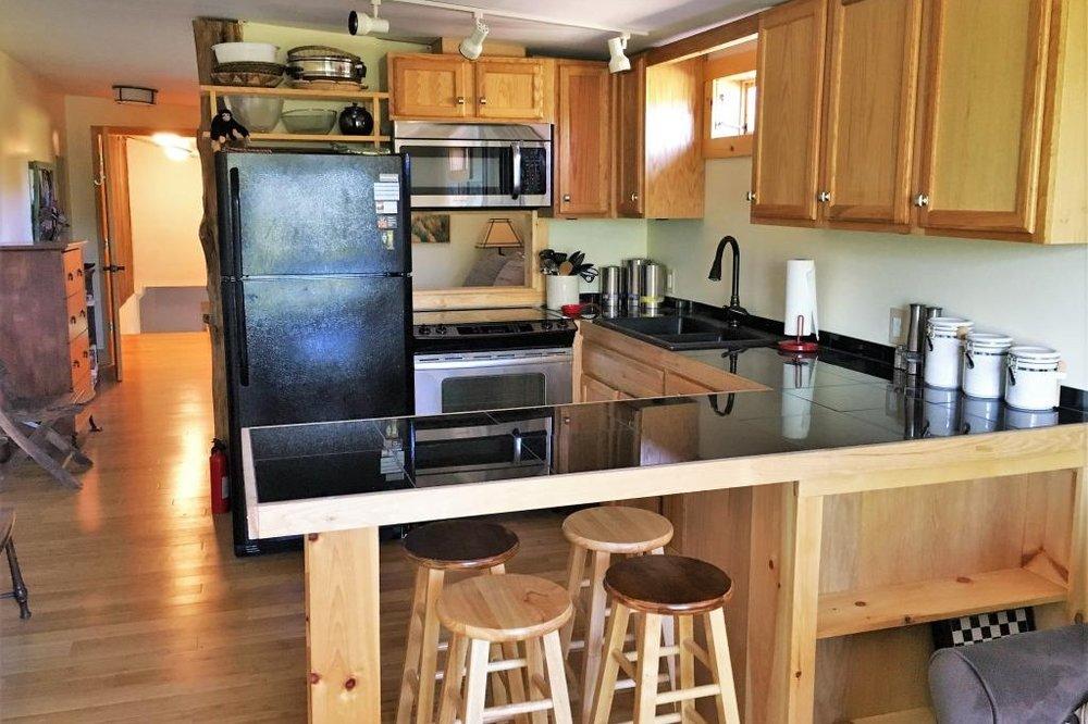 unearthing-writing-retreat-blueridge-kitchen.jpg