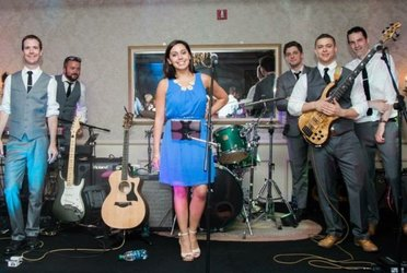 "The Common Good Band ""Boston's hottest wedding band made up of six talented musicians from the South Shore area.  From top 40's to hip hop, rock to country, indie to motown, they play it all!"""