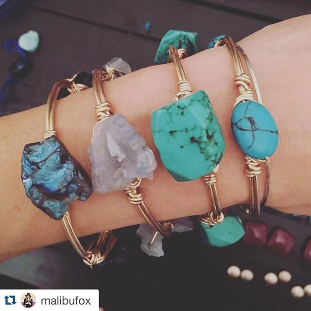 LOTS of new jewels headed to @malibufox ≪≪ be sure to stop by & check them out!! #Repost @malibufox with @repostapp. ・・・ New @ellazjewels coming soon! #MalibuFox #bangles #srq #utc #boho #beachbabes #boutique #shopping