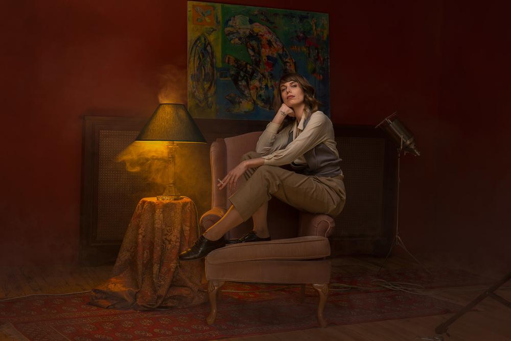 Claire Crombez, personnifiant Katherine Hepburn