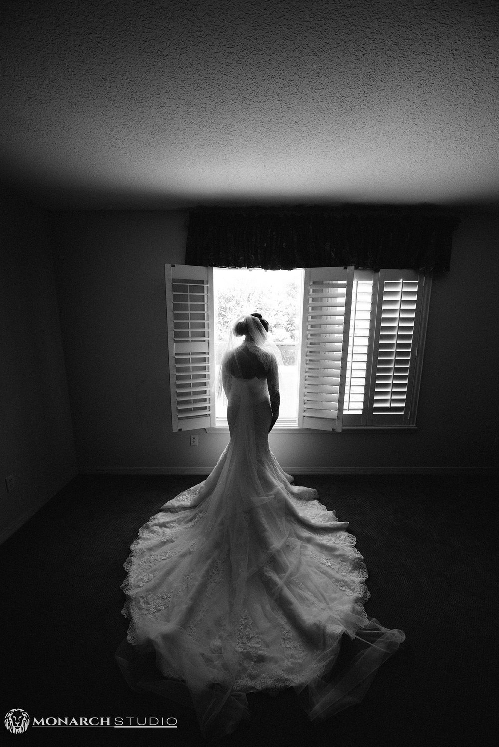 St-Augustine-Photographer-Treasury-on-the-Plaza-Wedding-Photography_0015.jpg