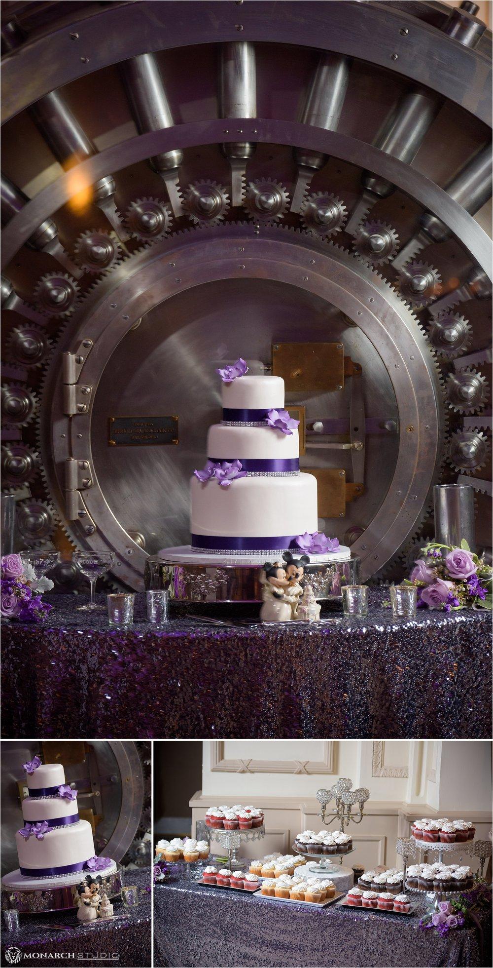 st-augustine-wedding-photographer-treasury-on-the-plaza-050.jpg