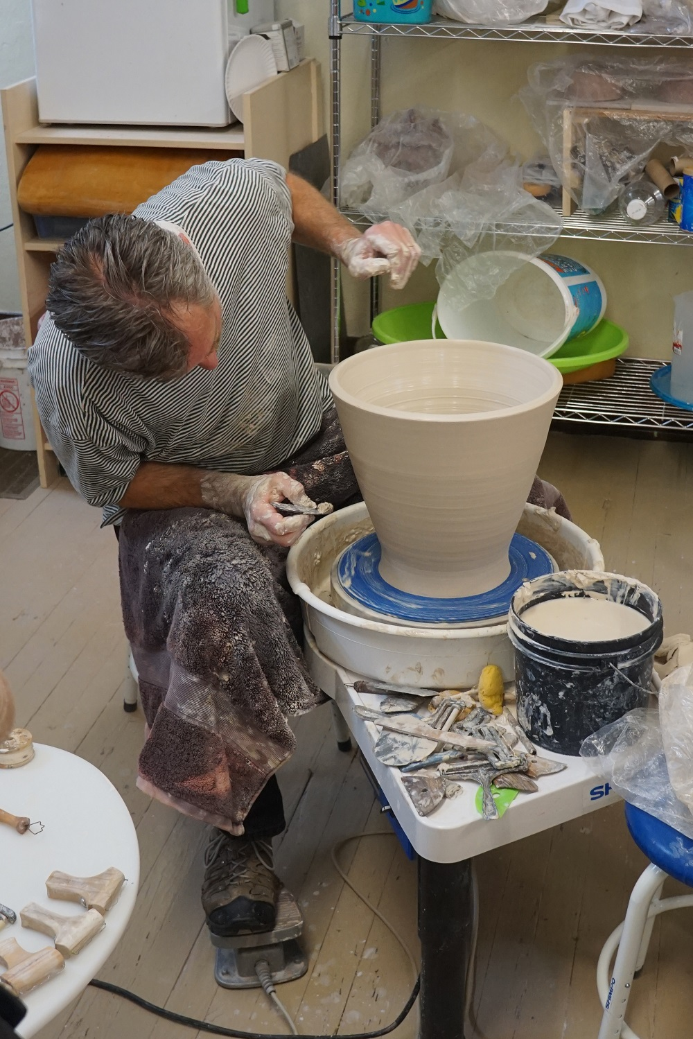 Step 4 - Examining the bowl for shape.JPG