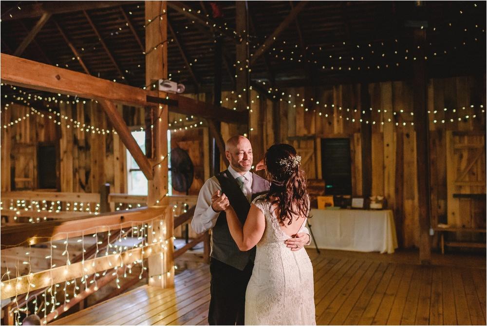 bnp-vintage-barn-wedding-schmidt