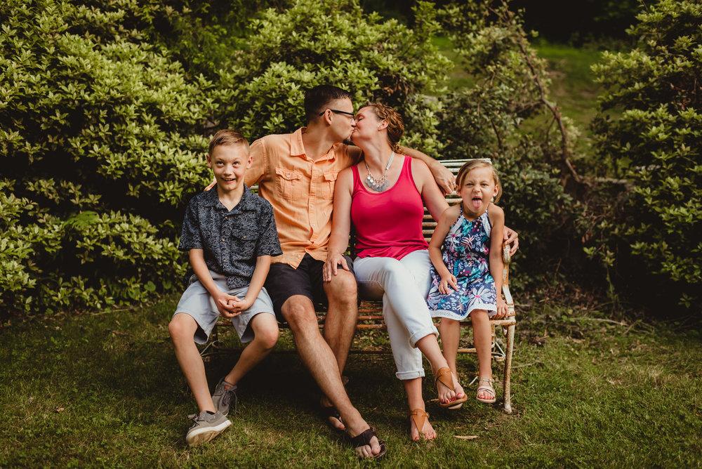 brittney-nestle-photo-family-portrait-susquehanna-state-park-ramage.jpg