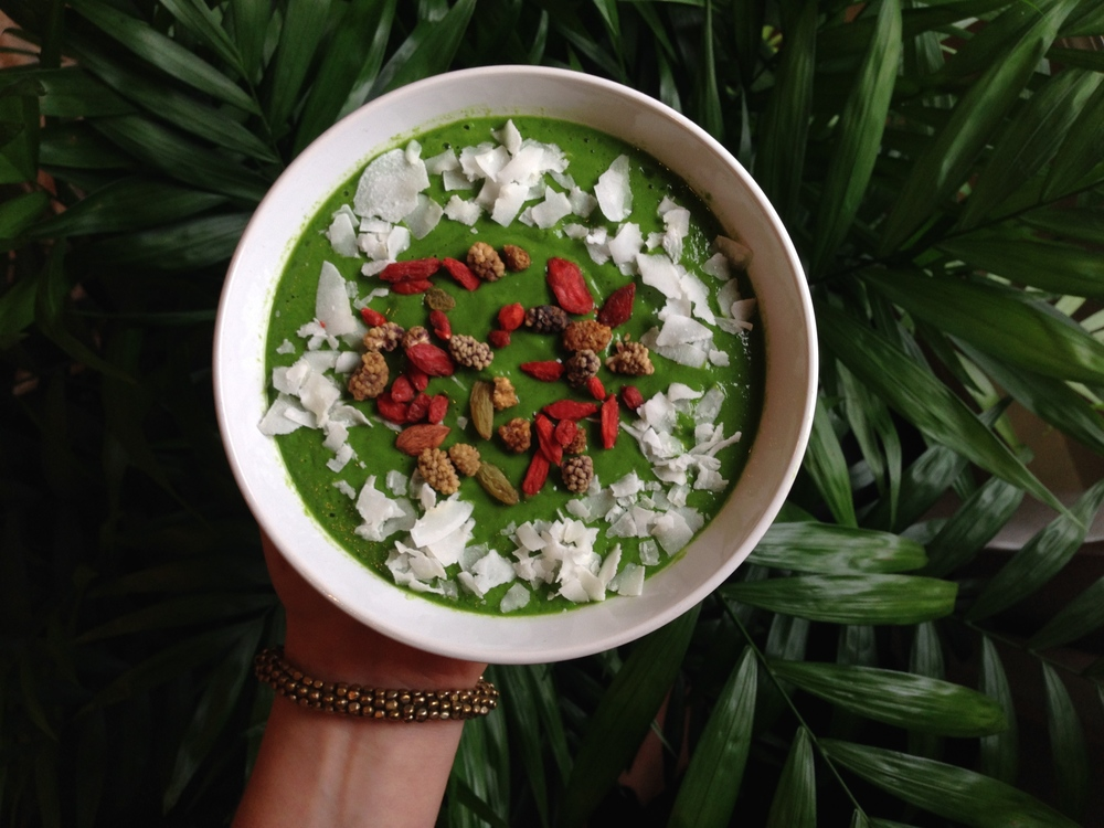 Green Plant Power Smoothie Bowl
